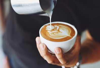 Genießen Sie einen Kaffee im Kurhaus Bad Hamm.
